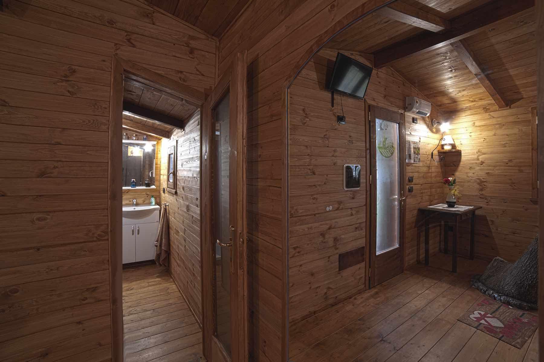 Casa sull'albero prospettiva interna da specchio